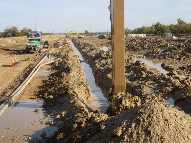 Feather River Setback levee cutoff wall excavation | GEI